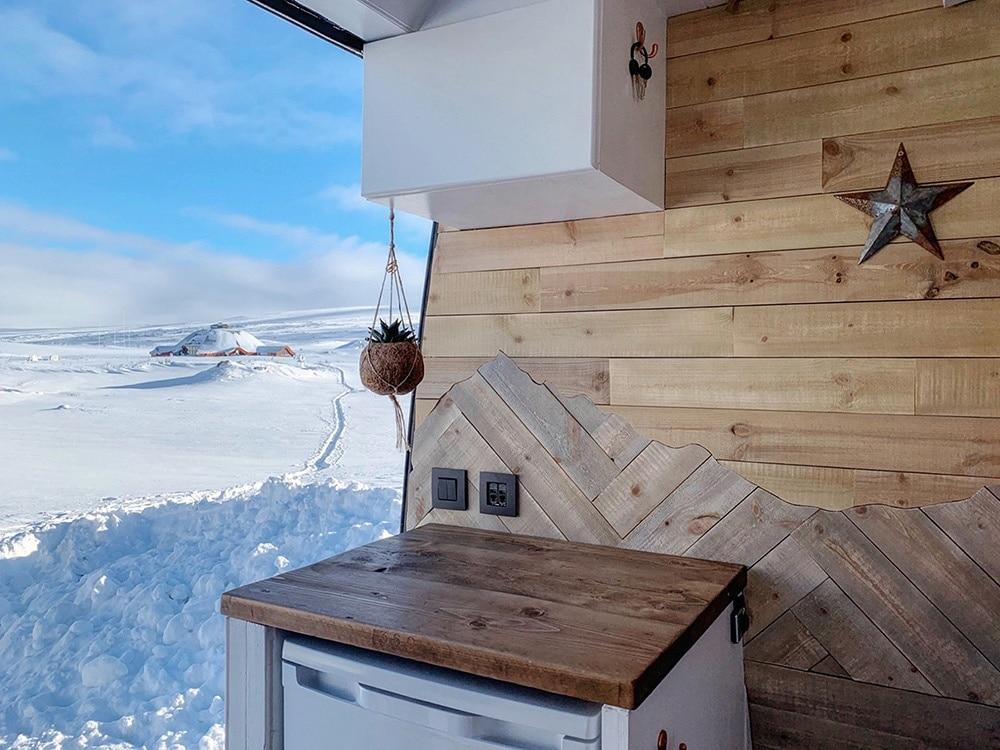 Building Your Van to Survive the Winter (-30°c!)