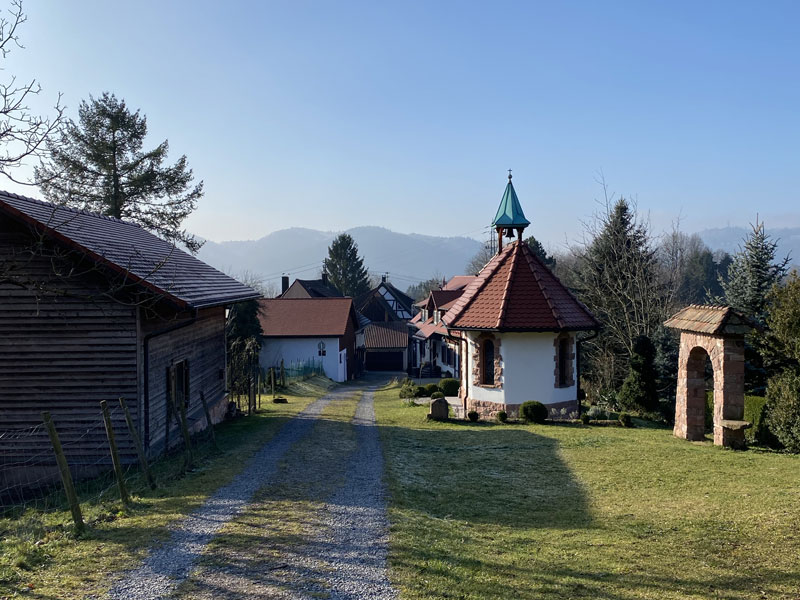 Small chapel and village near the parking at Baden-Baden